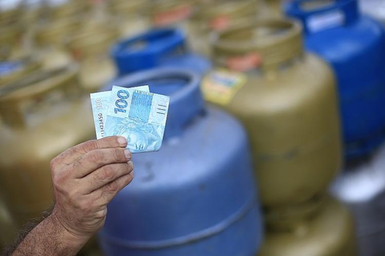 Botijão de gás em Salvador chega a custar até R$ 110 para entrega | Foto: Reprodução / Redes Sociais - Foto: Reprodução / Redes Sociais