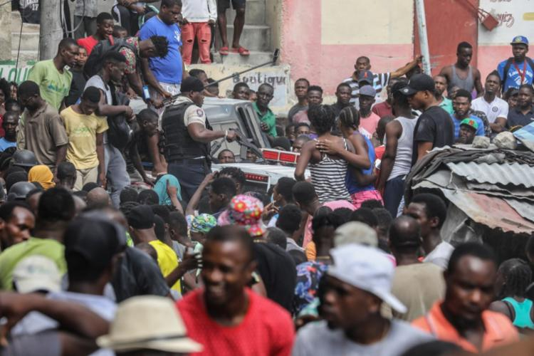 Em meio a pandemia, população vive momento tenso no país | Foto: Valerie Baeriswyl | AFP - Foto: Valerie Baeriswyl | AFP