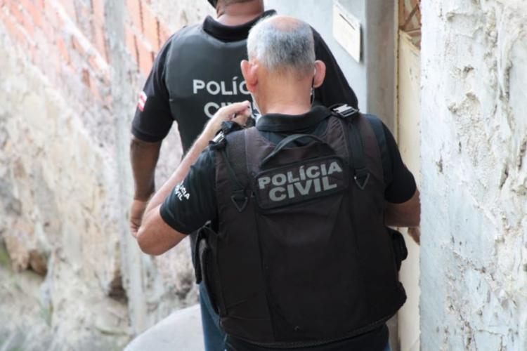 Homem é suspeito de praticar o crime na cidade de Banzaê e fugir para o município de Ribeira do Pombal | Foto: Haeckel Dias | Ascom PC - Foto: Haeckel Dias | Ascom PC