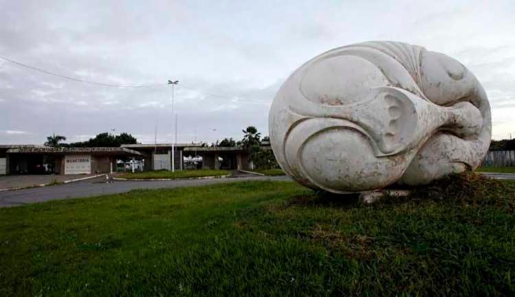 Entre os imóveis do projeto de venda está o Parque de Exposições de Salvador  Agência A Tarde - Foto: Agência