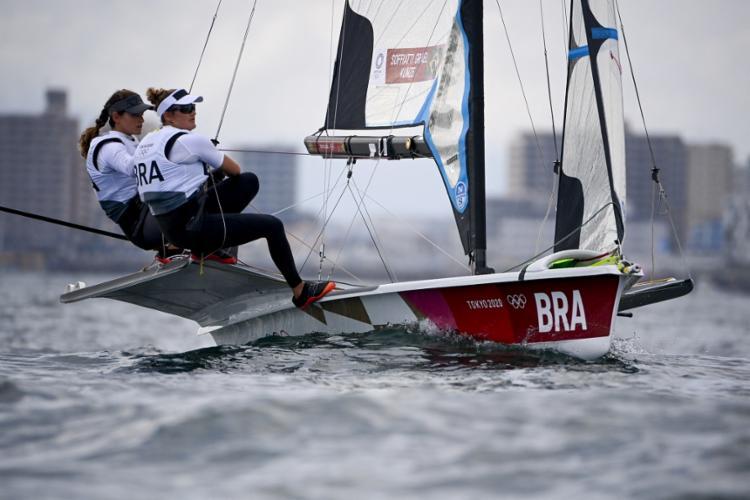 A quinta colocação na Medal Race garante uma medalha para a dupla do Brasil | Foto: Olivier Morin | AFP - Foto: Olivier Morin | AFP