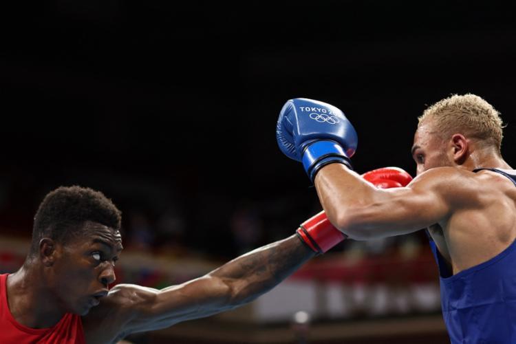 Lutador baiano esteve bem, mas perdeu na decisão dos juízes | Foto: Buda Mendes | POOL | AFP - Foto: Buda Mendes | POOL | AFP