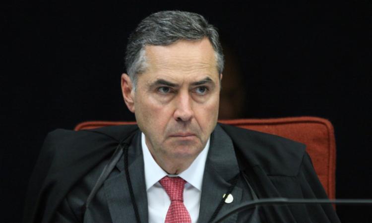 Luís Roberto Barroso emitiu uma nota na qual se posiciona contra a série de ataques de Bolsonaro   Foto: Divulgação - Foto: Divulgação