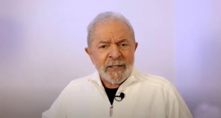 Lula acusa governo de protelar compra de vacina para favorecer pessoas que