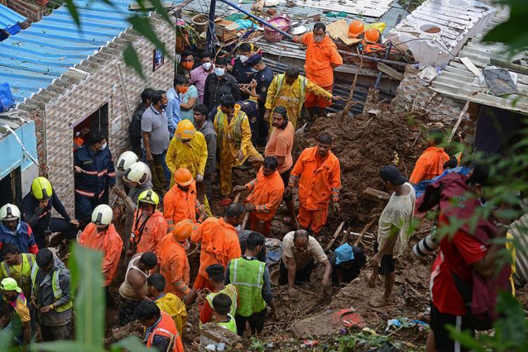O fenômeno meteorológico todo ano causa grande destruição e deixa centenas de mortos nesta região do mundo   Foto: Sujit Jaiswal   AFP - Foto: Sujit Jaiswal   AFP