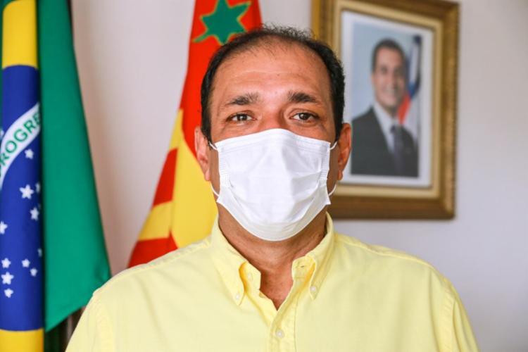 O gestor Mário Alexandre, o Marão, foi denunciado por irregularidades na contratação direta de empresa. - Foto: Divulgação