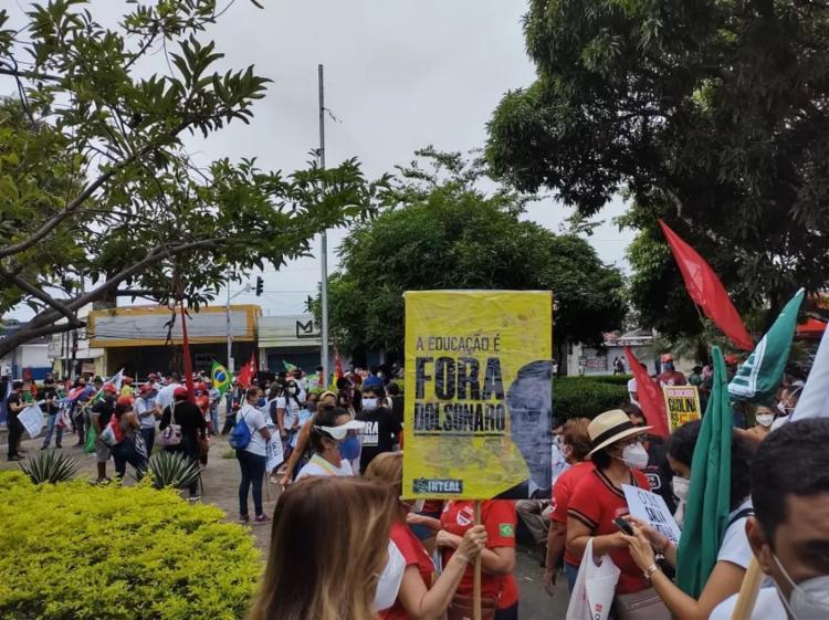 Manifestantes protestam contra Bolsonaro na Praça Centenário, em Maceió | Foto: Sandra Sena | CUT - Foto: Sandra Sena | CUT