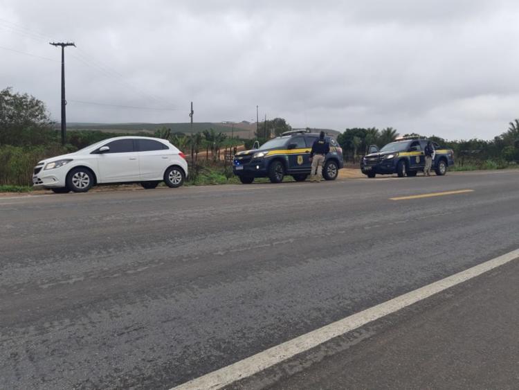 Responsável pela locação não efetuou a entrega do veículo | Foto: Divulgação | PRF - Foto: Divulgação | PRF