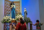 Fiéis iniciam festejos em devoção a Santa Dulce | Foto: Felipe Iruatã | Ag. A TARDE