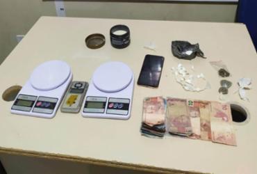 Suspeito de homicídio é flagrado com drogas e preso em Santo Antônio de Jesus