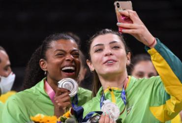 Vôlei: Fê Garay e Camila Brait anunciam aposentadoria após prata em Tóquio | Yuri Cortez | AFP