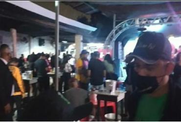 Festas com aproximadamente 300 pessoas são encerradas em Feira de Santana