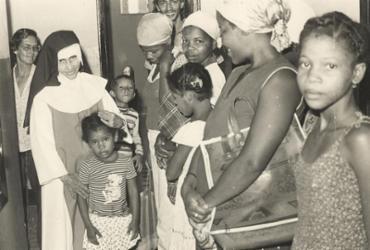 Santa Dulce dos Pobres recebe título de Doutora Honoris Causa | Cedoc A TARDE/ 27.05.1981