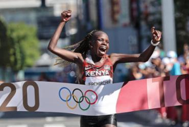 Atletismo: Quênia é ouro e prata na maratona feminina | Giuseppe Cacace | AFP