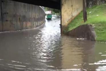 Ladeira da Fonte é interditada após ficar completamente alagada | Reprodução | TV Bahia