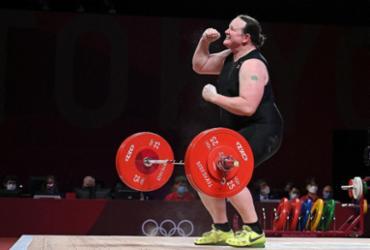 Neozelandesa faz história como primeira atleta olímpica transgênero | Mohd Rasfan | AFP
