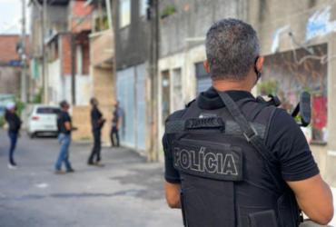 Suspeito de liderar tráfico de drogas e cometer três homicídios em Simões Filho é preso