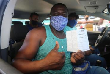 Pontos de vacinação em Salvador registram filas intensas nesta terça | Olga Leiria / AG. A Tarde
