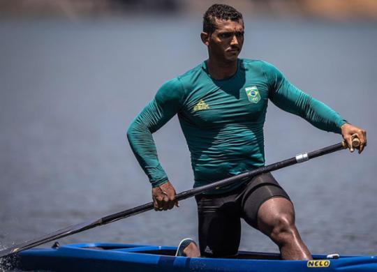 Baiano Isaquias Queiroz volta à água nesta quinta-feira em busca do ouro | Jonne Roriz | COB
