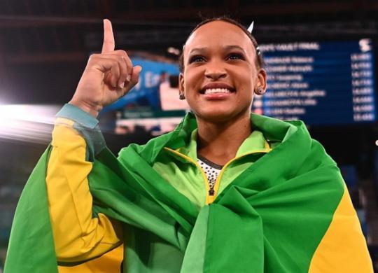 Rebeca Andrade será porta-bandeira do Brasil na cerimônia de encerramento dos Jogos Olímpicos | Loic Venance | AFP