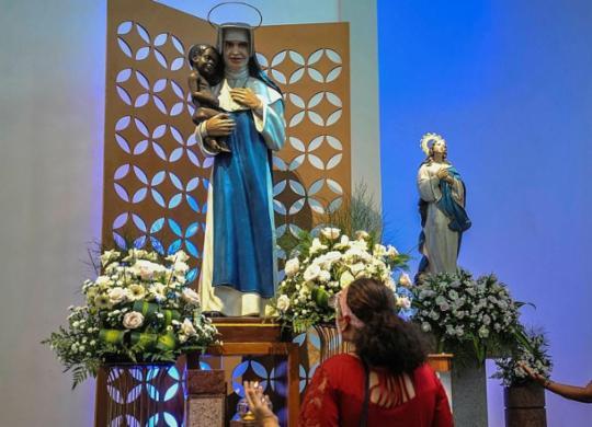Fiéis iniciam festejos em devoção a Santa Dulce | Felipe Iruatã | Ag. A TARDE