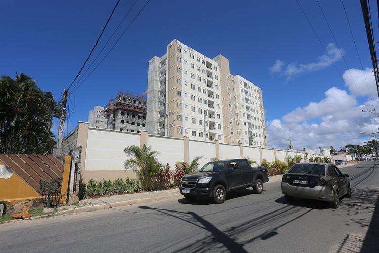 Moradores reclamam da chegada de novos prédios com centenas de apartamentos que mudam o dia a dia do bairro