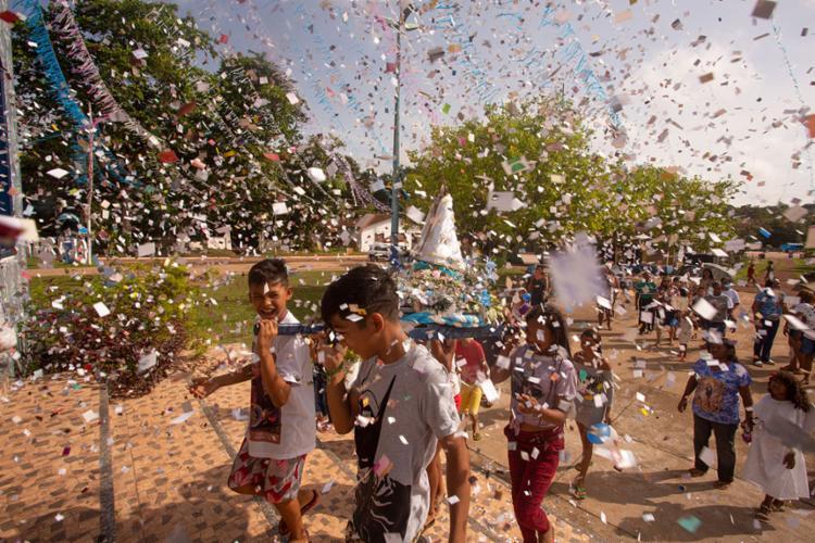 Círio das crianças em Caraparu, foto de Olga Leiria de típica expressão do estado do Pará