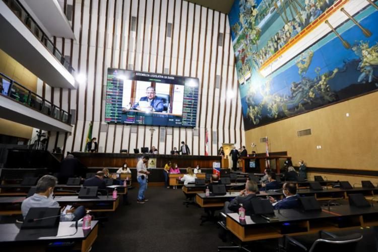 Apesar de dispensa de formalidades anterior, oposição argumentou que falta clareza ao texto | Foto: Vaner Casaes | AL-BA - Foto: Vaner Casaes | AL-BA