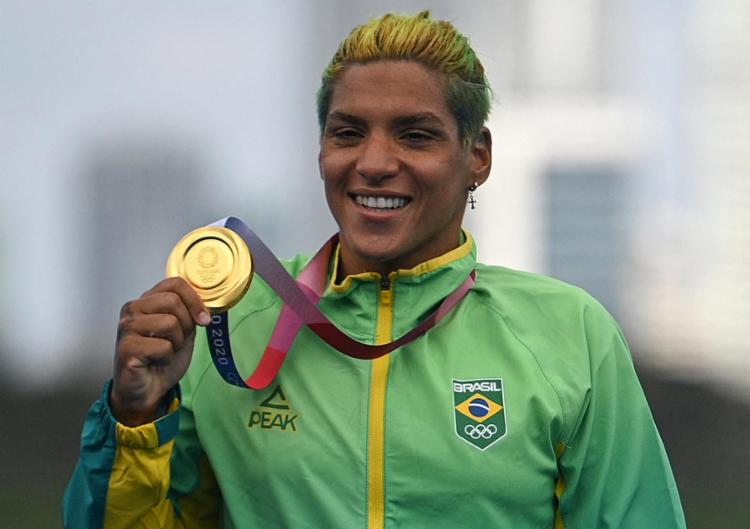 Ana Marcela foi a vencedora do ouro na maratona aquática de 10 km   Foto: Oli Scarff   AFP - Foto: Oli Scarff   AFP