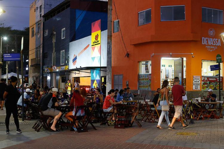 Bares da rua Marquês de Leão, na Barra, são os principais alvos das denúncias | Foto: Rafael Martins | Ag. A TARDE - Foto: Rafael Martins | Ag. A TARDE