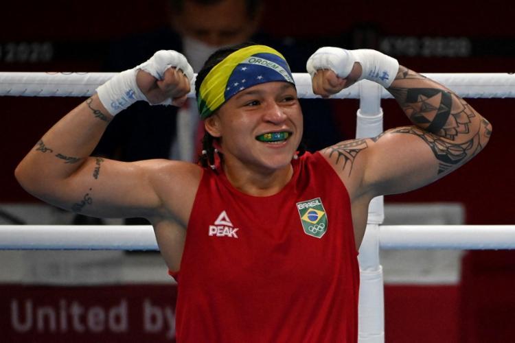 Caso vença a uzbeque Raykhona Kadirova, Bia já garante pelo menos o bronze | Foto: Luis Robayo | AFP - Foto: Luis Robayo | AFP