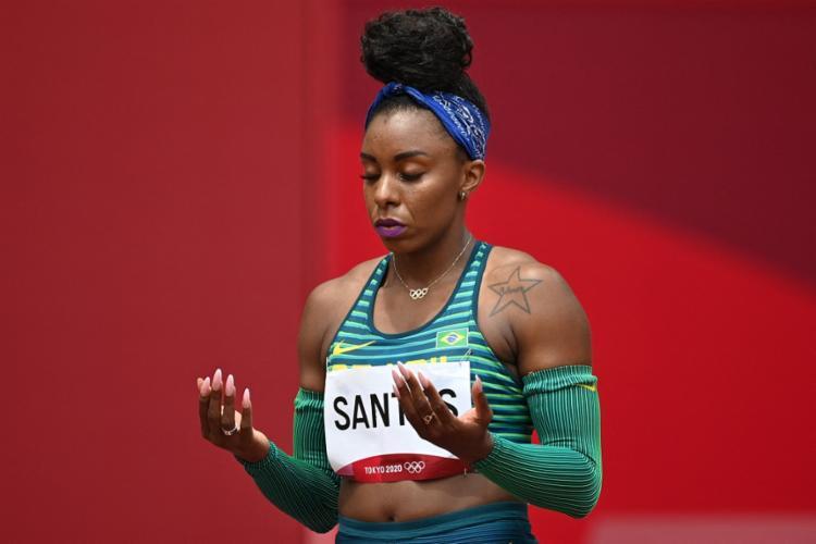 Rosângela Santos (foto) foi a última corredora brasileira da bateria | Foto: Andrej Isakovic | AFP - Foto: Andrej Isakovic | AFP