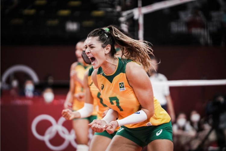 Rosamaria foi um dos destaques do Brasil no jogo   Foto: Divulgação   Volleyball World - Foto: Divulgação   Volleyball World