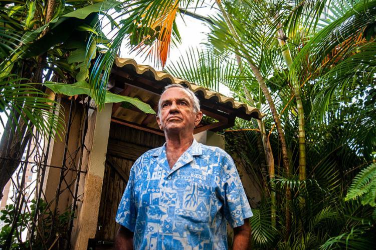 Com histórico de tabagismo, Braulio Alves, de 67 anos, foi diagnosticado com câncer de bexiga   Foto: Felipe Iruatã   Ag. A TARDE   24.08.2021 - Foto: Felipe Iruatã   Ag. A TARDE   24.08.2021