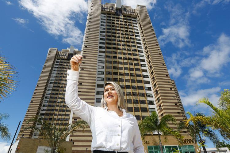 Cristiane é especialista em imóvel de alto e médio padrão   Foto: Rafael Martins   Ag. A TARDE - Foto: Rafael Martins   Ag. A TARDE