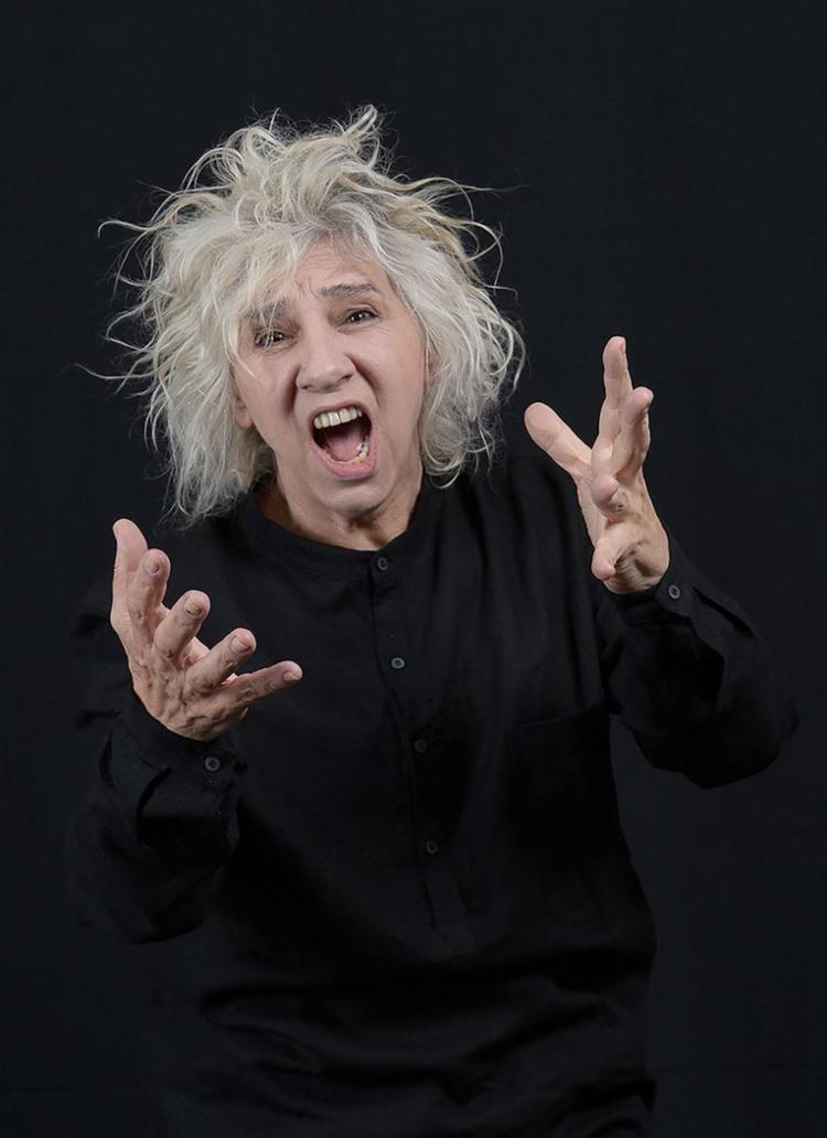 Denise Stoklos é o principal destaque da reabertura do Molière | Foto: Leekyung Kim | Divulgação - Foto: Leekyung Kim | Divulgação