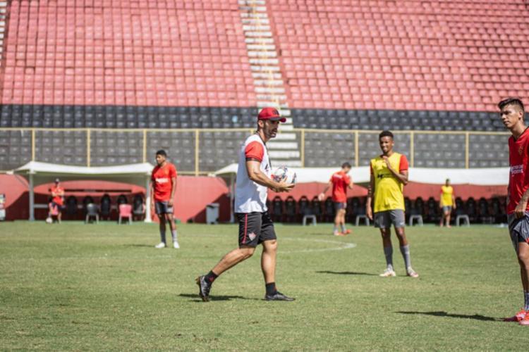 Ricardo Amadeu comandou os últimos treinos na Toca do Leão | Foto: Divulgação | EC Vitória - Foto: Divulgação | EC Vitória