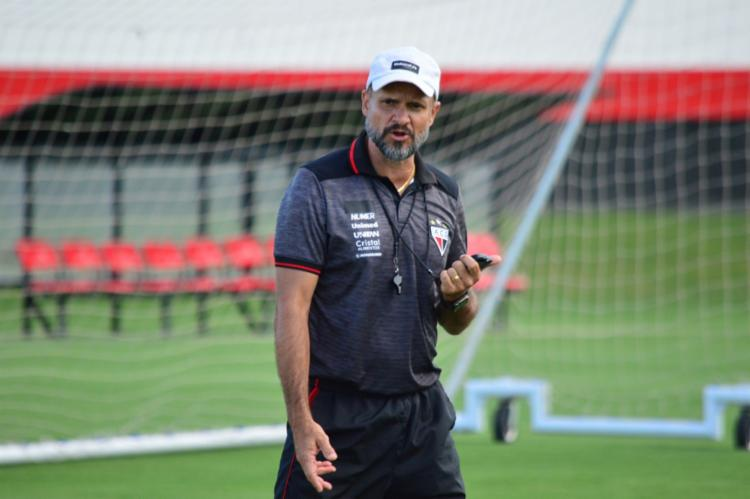 Ele assume de imediato o comando da equipe contra o CRB, neste domingo | Foto: Paulo Marcos | Atlético-GO - Foto: Paulo Marcos | Atlético-GO
