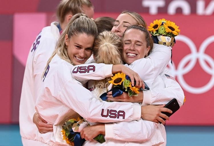 Norte-americanos assumiram a lideranã com a vitória da seleção feminina de vôlei diante do Brasil | Foto: Jung Yeon-je | AFP - Foto: Jung Yeon-je | AFP