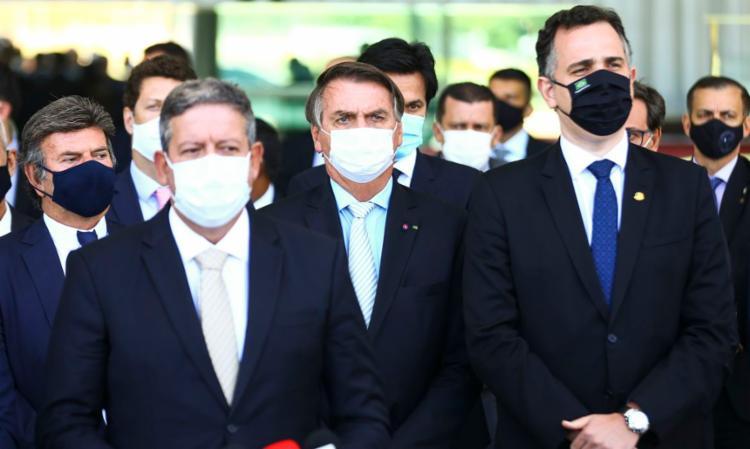 Bolsonaro com os presidentes da Câmara, do Senado e do Supremo Tribunal Federal - Foto: Agência Brasil   Divulgação