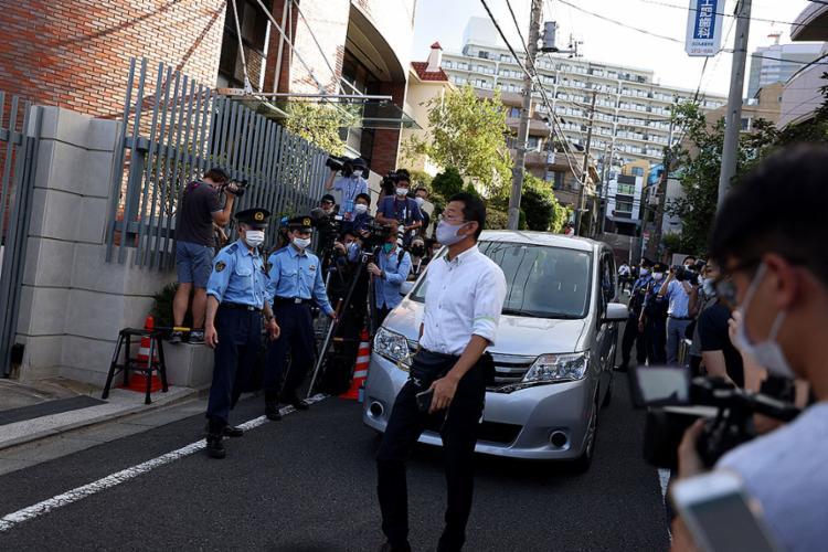 A corredora de 24 anos foi vista saindo de um carro e entrando no aeroporto de Narita | Foto: Behrouz Mehri | AFP - Foto: Behrouz Mehri | AFP