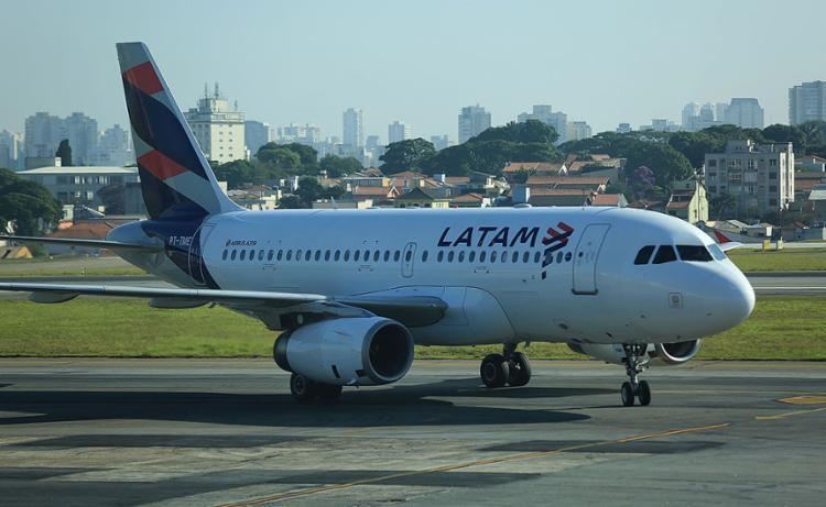 A Latam opera voos regulares nos municípios de Salvador, Porto Seguro e Ilhéus | Foto: Joá Souza | Ag. A TARDE | 11.2.2017 - Foto: Joá Souza | Ag. A TARDE | 11.2.2017