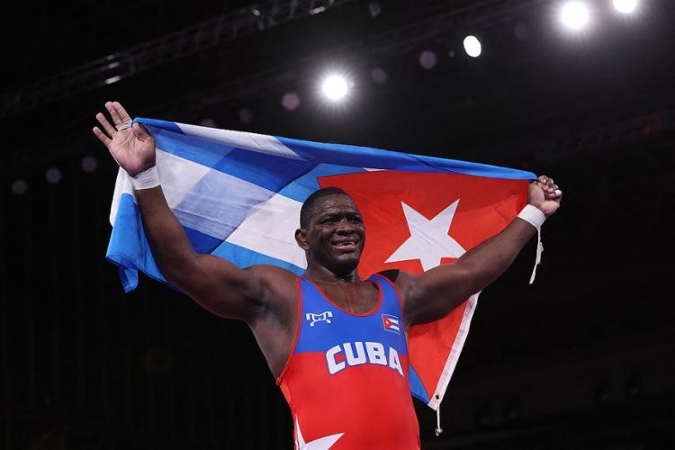 López é o primeiro atleta da luta greco-romana a conquistar quatro medalhas de ouro em Olimpíadas | Foto: Jack Guez | AFP - Foto: Jack Guez | AFP