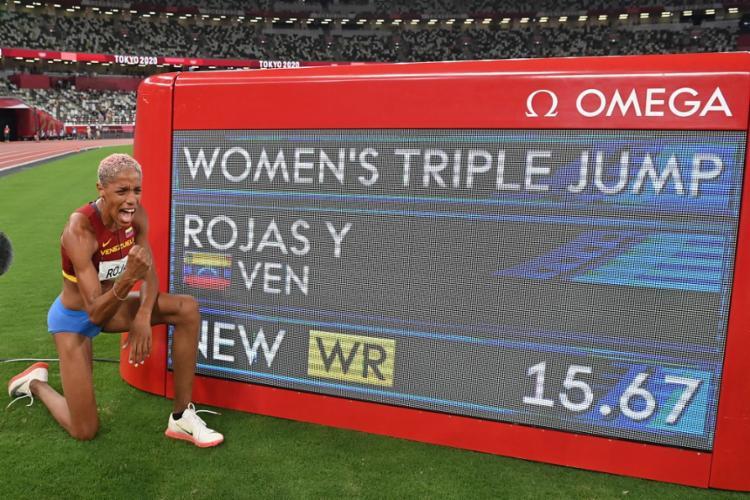 Yulimar Rojas conseguiu superar a marca anterior em incríveis 17 centímetros | Foto: Andrej Isakovic | AFP - Foto: Andrej Isakovic | AFP