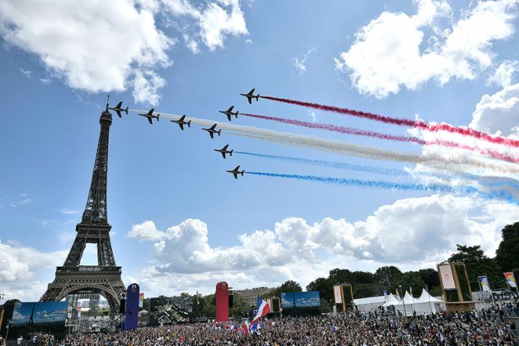 A cerimônia de encerramento dos Jogos de Tóquio-2020 reservou uma janela para uma conexão ao vivo com Paris | Foto: Stephane de Sakutin | AFP - Foto: Stephane de Sakutin | AFP