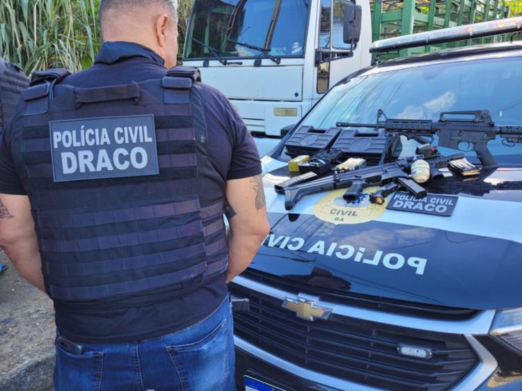 O policial foi preso também em flagrante por porte ilegal de arma de fogo | Foto: Natália Verena | SSP - Foto: Natália Verena | SSP