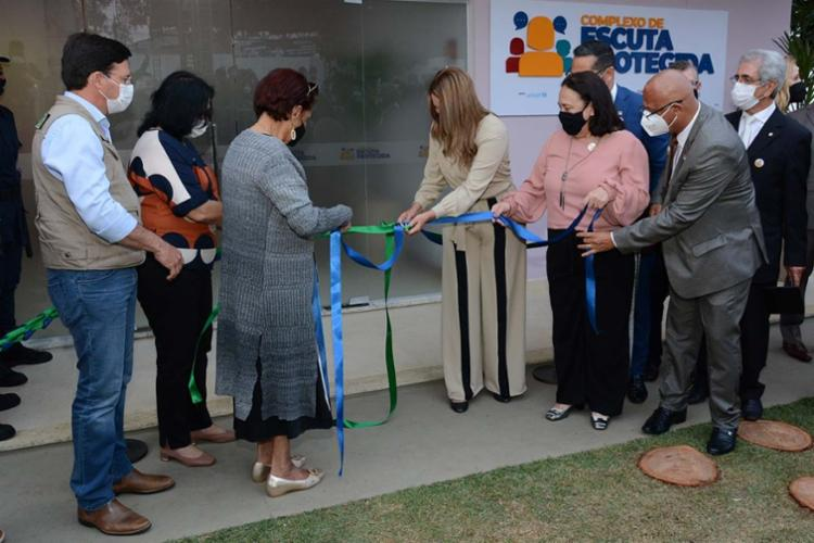 Ao lado de ministros, Prefeita Sheila Lemos, inaugura Complexo de Escuta Protegida. - Foto: Divulgação