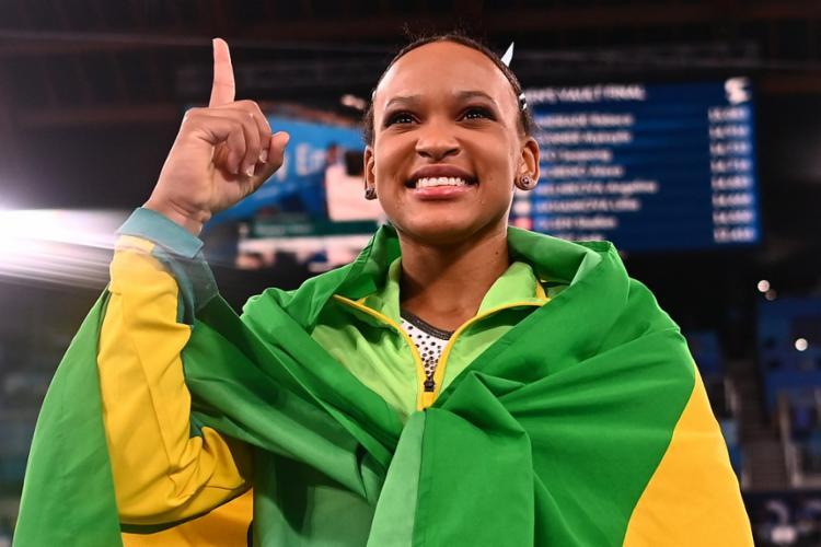 Ginasta fez história ao conquistar duas medalhas olímpicas   Foto: Loic Venance   AFP - Foto: Loic Venance   AFP