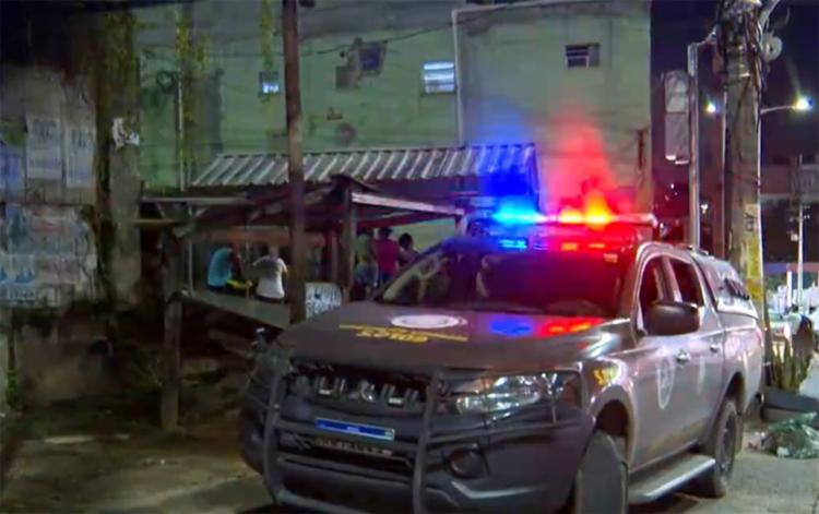 Crime aconteceu na Av. San Martin, na noite de terça-feira, 24   Foto: Reprodução   TV Bahia - Foto: Reprodução   TV Bahia