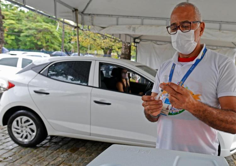 A capital baiana segue com a aplicação da 2ª dose da vacina | Foto: Shirley Stolze | Ag. A TARDE - Foto: Shirley Stolze | Ag. A TARDE